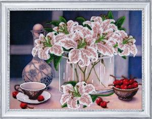 - Натюрморт с вишнями
