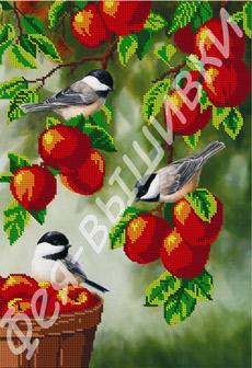 - Птички на яблоне