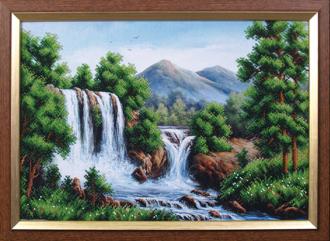 -- Водопад в горах